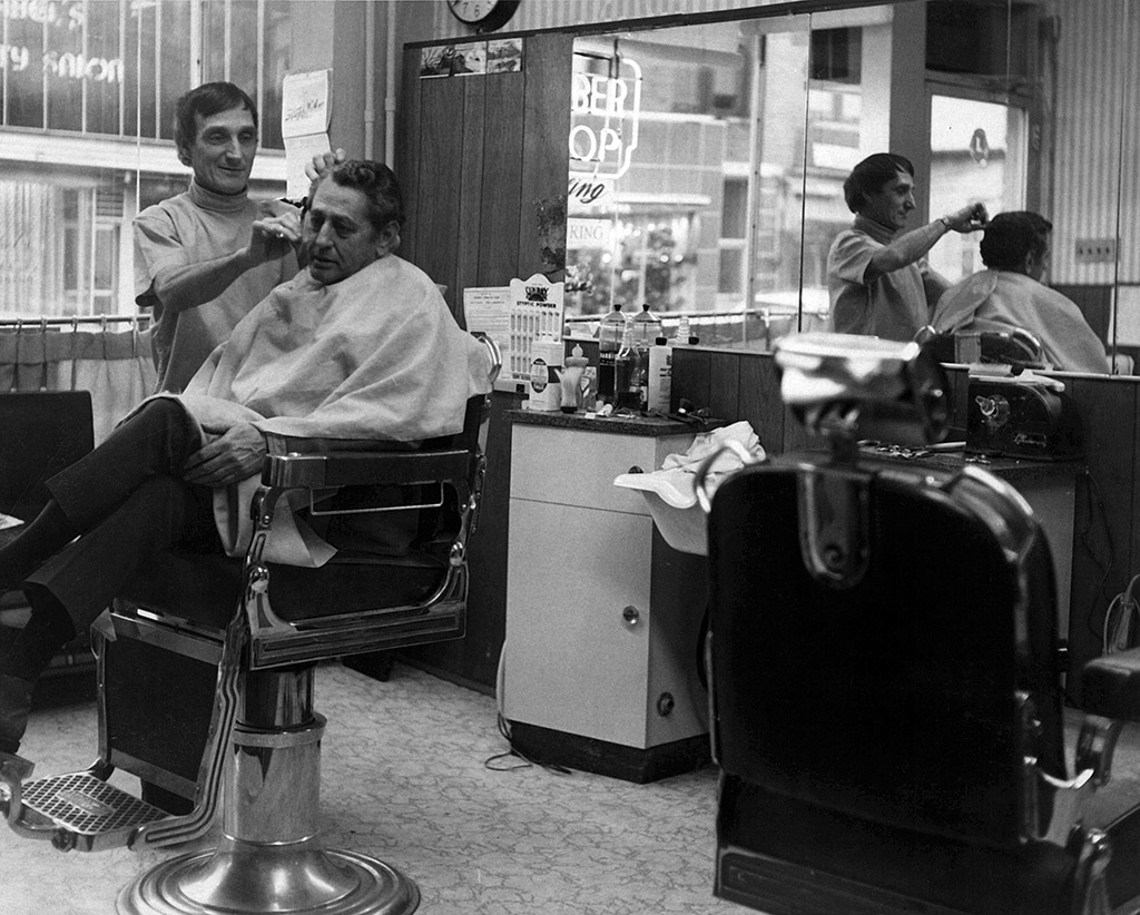 Barber York Pa : Here he is with the heavyweight champion Rocky Marciano :